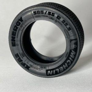 114 Customs Michelin low front tire fury bear